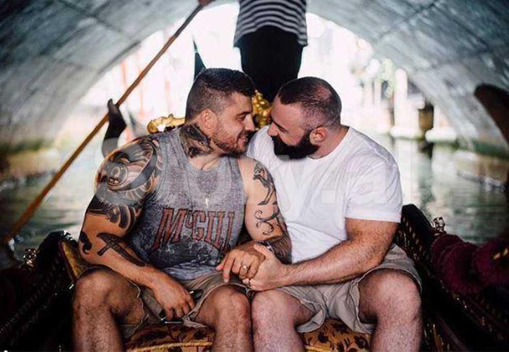 Nuk duken si gay por kanë vendosur të martohen bashkë, ky është çifti që po trondit botën mashkullore