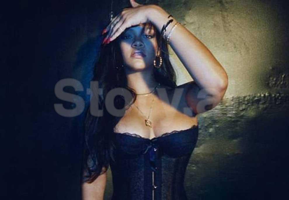 Rihanna i përdor si favor kilogramët, e nxehtë me veshje intime