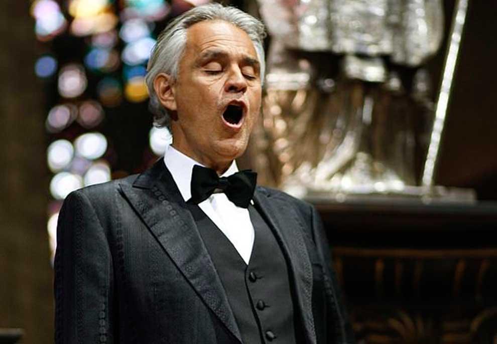 VIDEO/ Bocelli jep koncert drithërues për Pashkë në mes të Milanos së boshatisur: Italia do të ngrihet përsëri