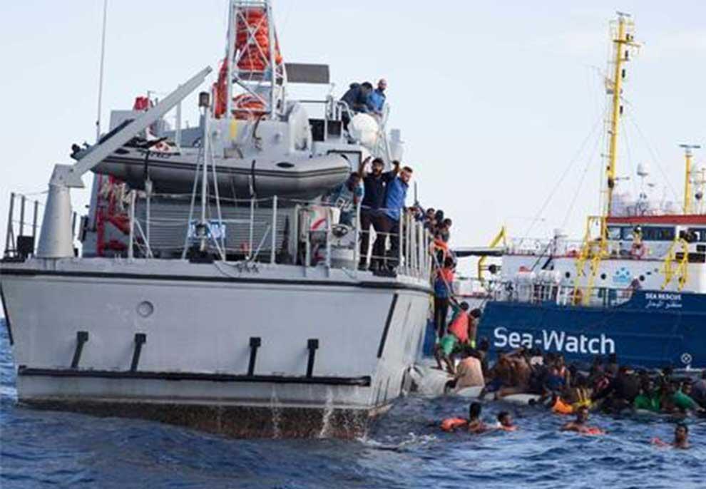 """""""Po fundosemi, vajza 7 vjeçe është e sëmurë"""", qindra klandestinë në det apel për ndihmë"""