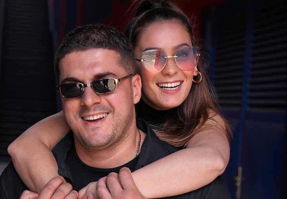 """""""Çift i lumtur"""" edhe jashtë kamerave, Delinda Disha na zbulon marrëdhënien me bashkëshortin në jetën reale"""