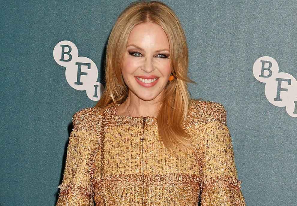Kylie Minogue kthehet në një prodhuese verash