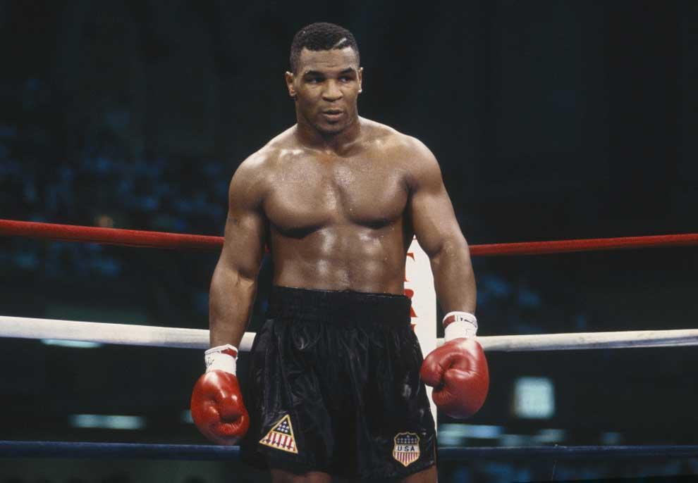 """""""Çdo boksier i vërtetë e mund lehtësisht Tysonin"""": opinionistët e ringut skeptik për 'Iron Mike'"""