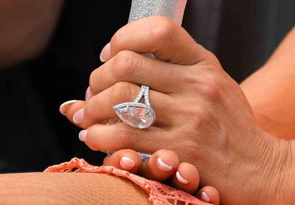 Jeni kureshtar të dini sa shpenzojnë të famshmit në unaza të martesës?