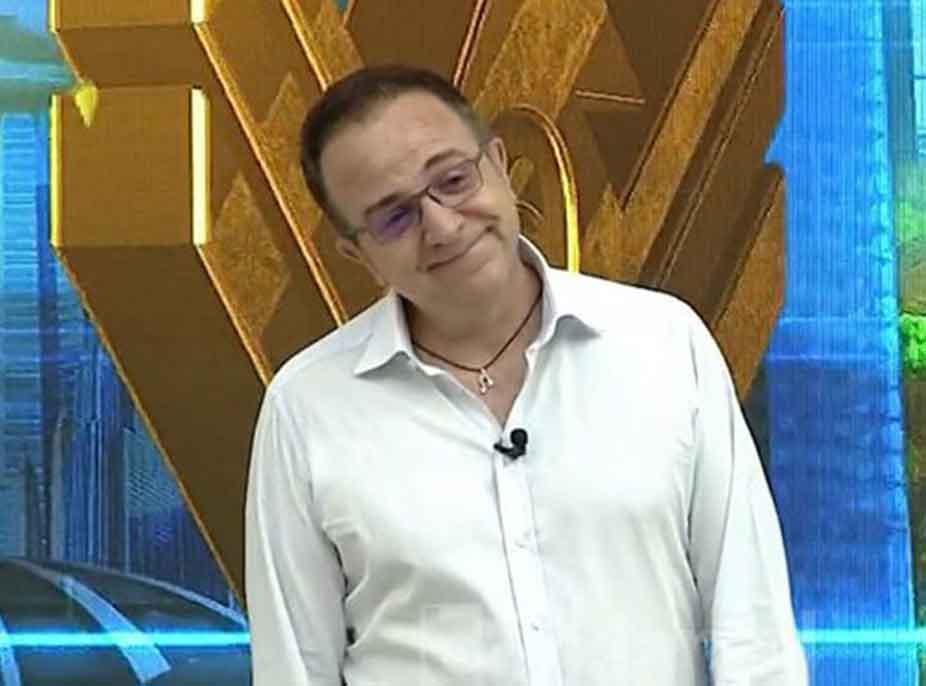 """""""Këto janë të këqijat kur je live"""", Ardit Gjebrea nuk i mban dot lotët gjatë emisionit"""
