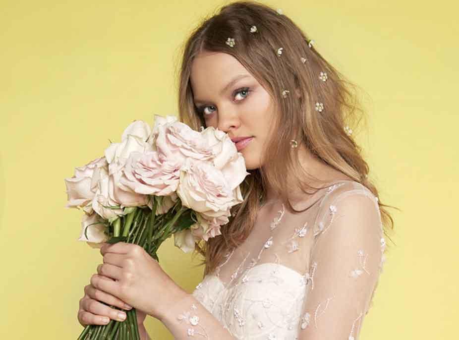 Çfarë bizhuteri duhet zgjedhur për ta kompletuar pamjen e dasmës?