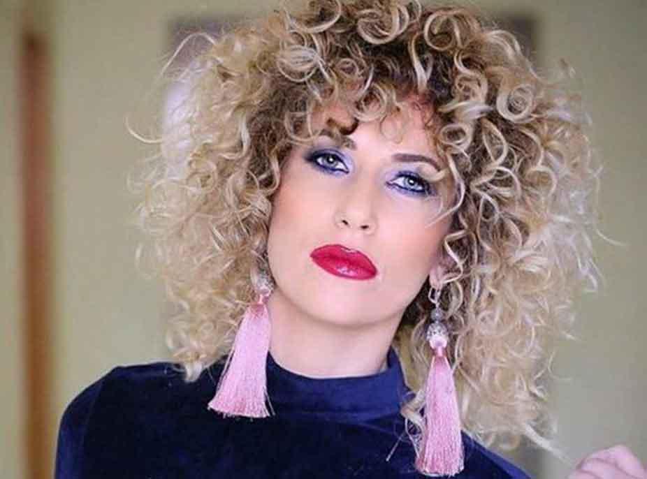 E zhgënjyer nga televizioni, Fatma Haxhialiu: Është katandisur në pikë të hallit, paga qesharake! Po të thuash edhe m*t s'e çan njeri kokën…mos e ndiqni këtë rrugë