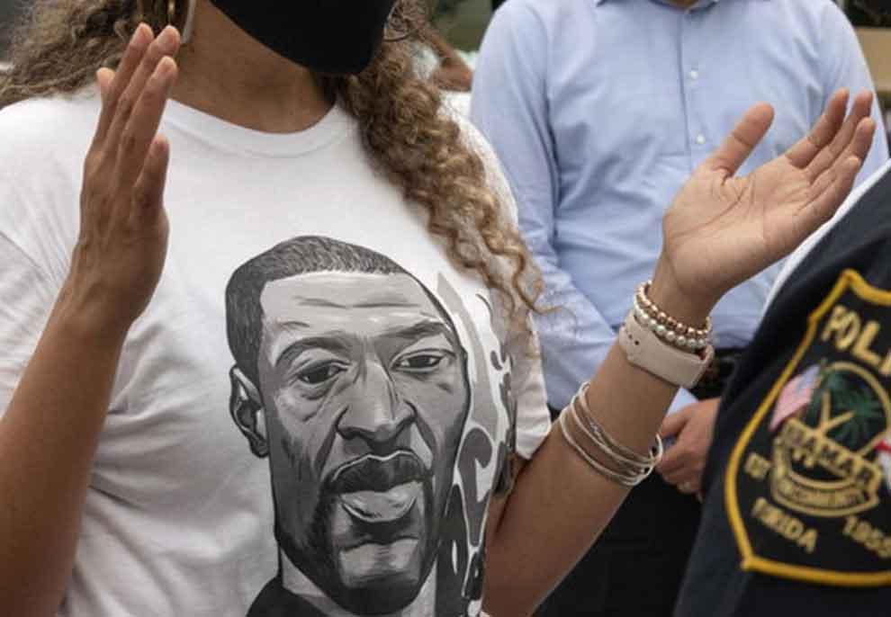 Vdekja e tij ndezi protesta të dhunshme në të gjithë Amerikën, autopsia zbulon se George Floyd ishte i infektuar me COVID-19