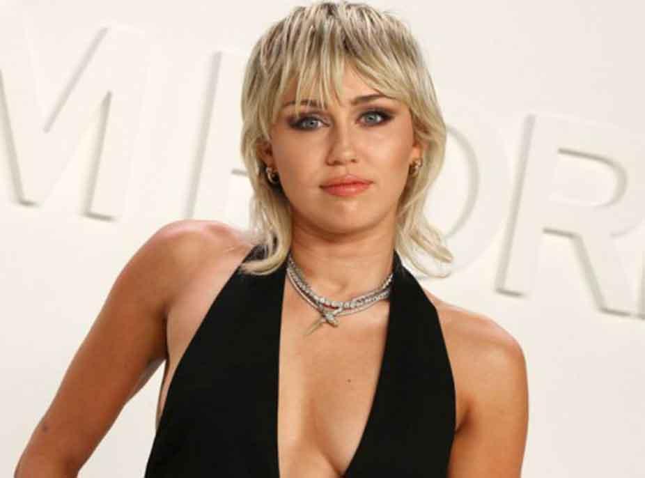 Gjashtë muaj larg drogës dhe alkoolit, Miley Cyrus flet për arsyen që e çoi drejt këtij vendimi dhe sfidat e jetës
