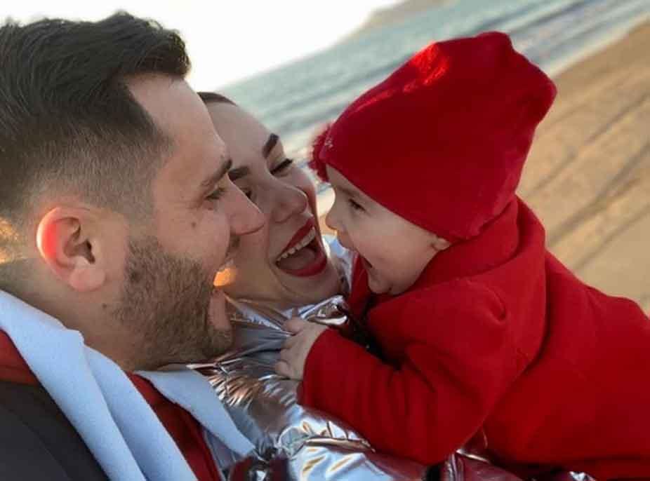 'Emri më doli në ëndërr', Xhensila Myrtezaj rrëfen pse vendosën ta quanin vajzën Ajka: Ai lart i ka skenaret e qarta