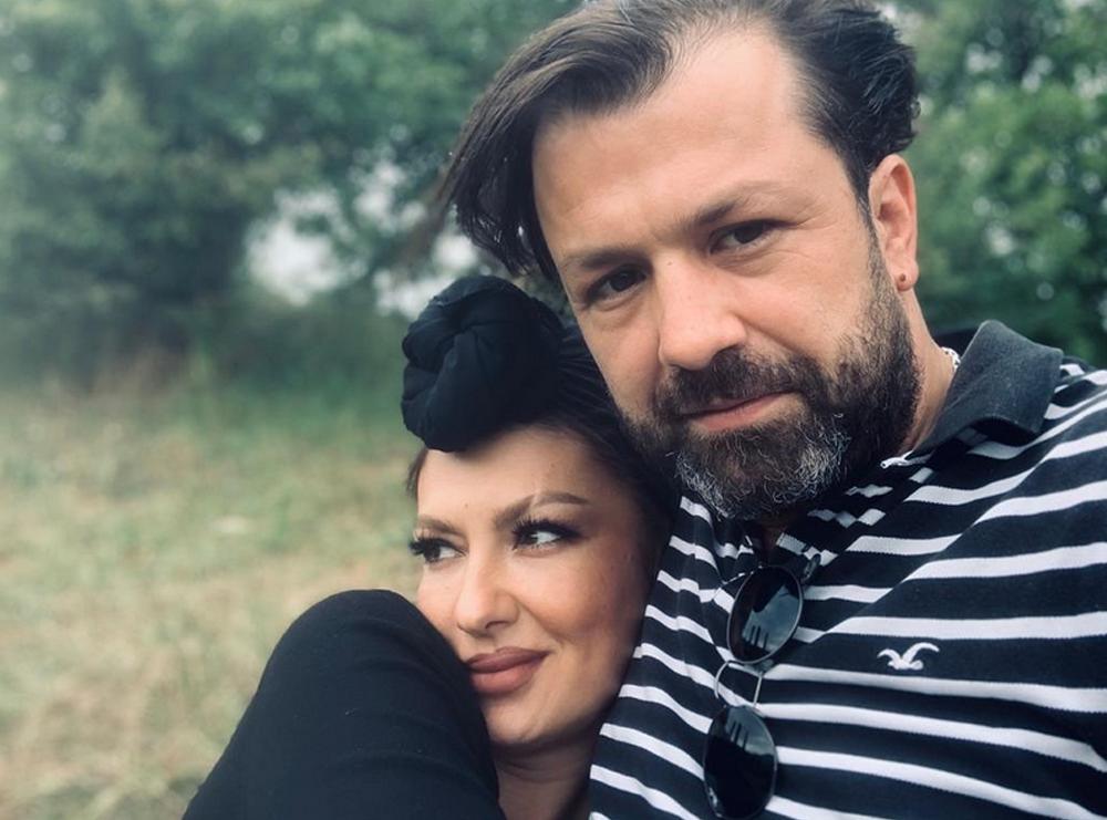 Adelina Ismaili i dedikon fjalët më të bukura të dashurisë partnerit të saj: Krejt i kam kur…