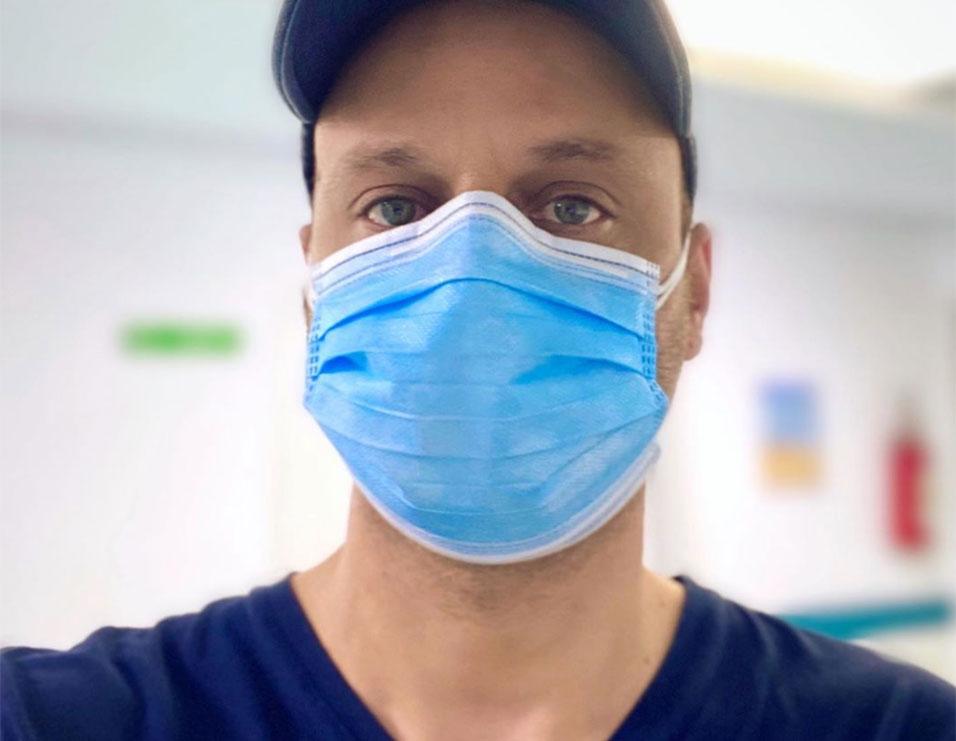 """""""Pavarësisht kujdesit të shtuar …""""- Moderatori Bledi Strakosha infektohet me koronavirus, ja apeli që u bën ndjekësve"""