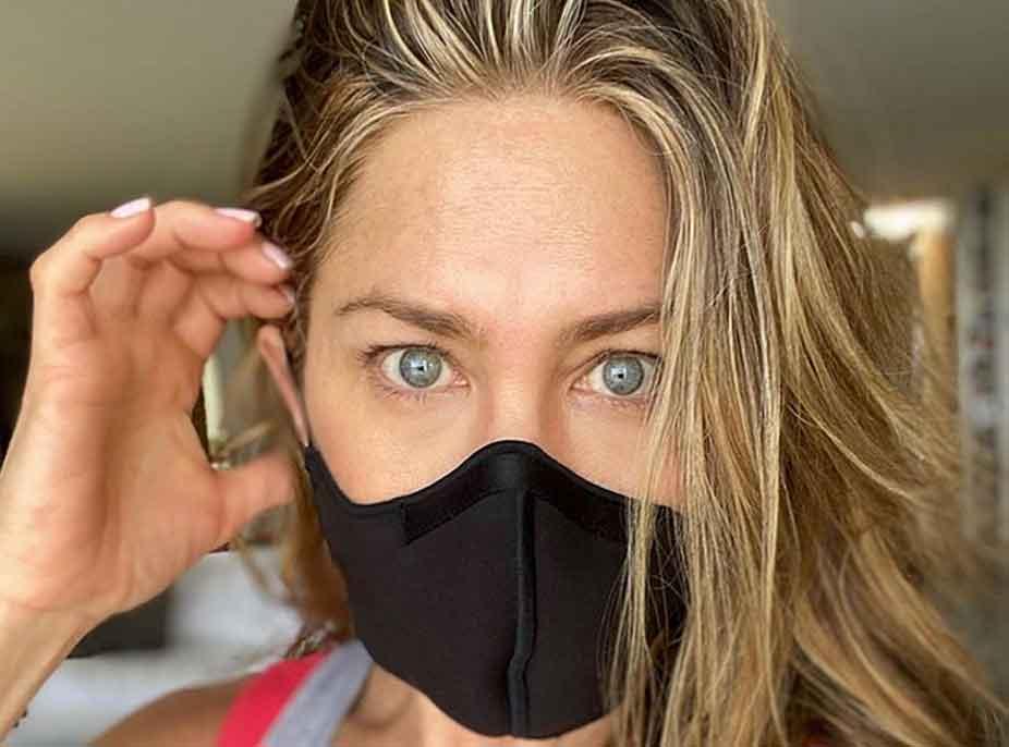 """""""Vendoseni atë dreq maske"""", Jennifer Aniston mesazh inkurajues për fansat, diva e filmave flet për COVID-19"""