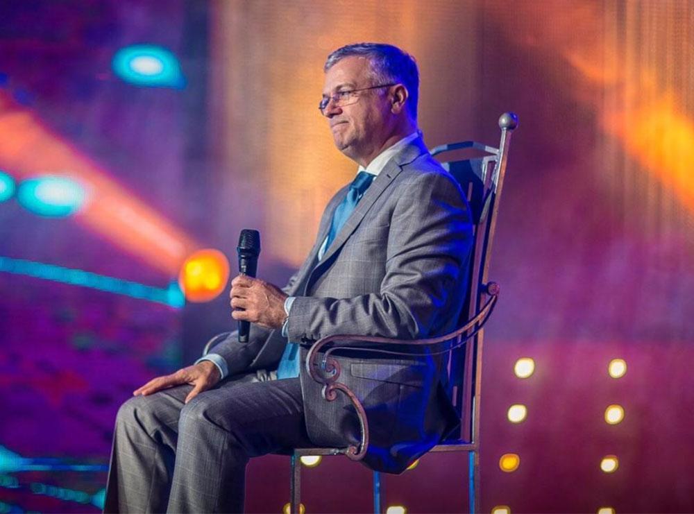 Këngëtari shqiptar i nënshtrohet operacionit në zemër, ja si është gjendja e tij shëndetësore: Gjatë dy ditëve të fundit…