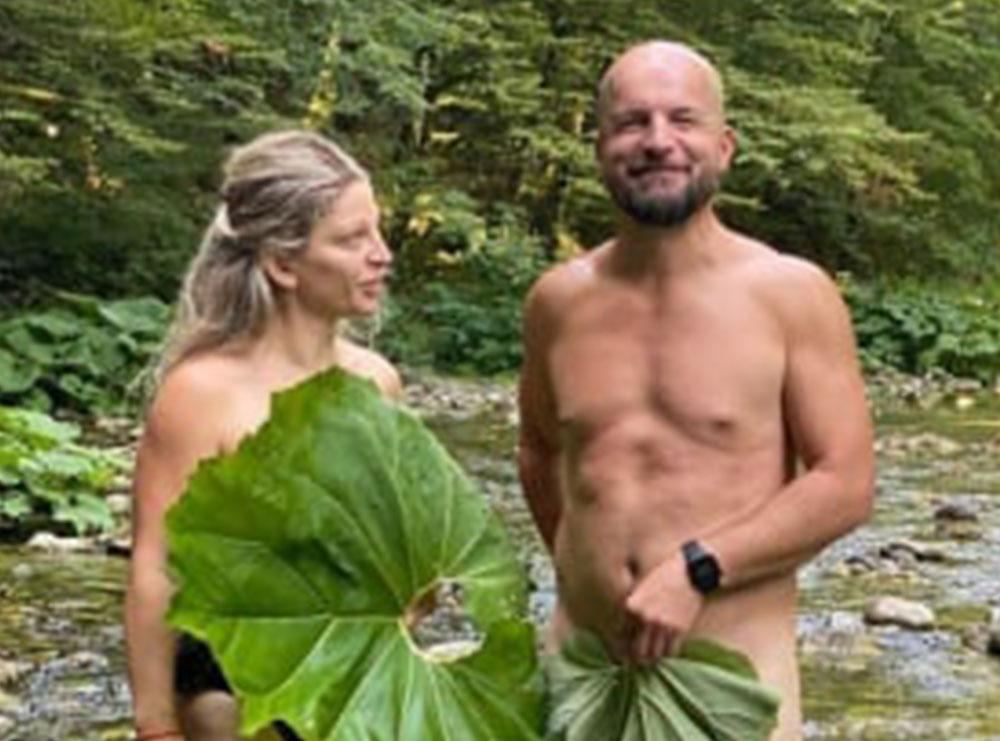 FOTO/ Gazetari i njohur dhe avokatja dalin nudo në lumin e Shalës