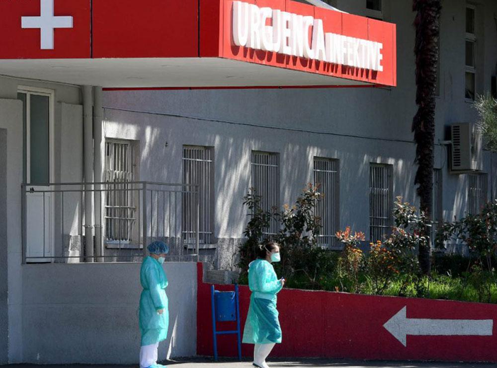 Bie numri i të shtruarve, situata më e stabilizuar në spitalet Covid