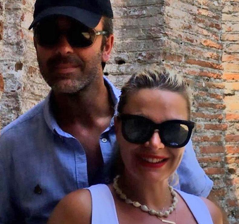 'Zemër!'/ Rudina Magjistari publikon foton nga pushimet me bashkëshortin, të dy i buzëqeshin kamerës dhe…