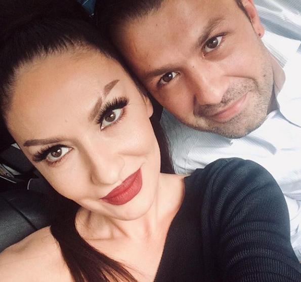 Adelina Ismaili nis pushimet familjare
