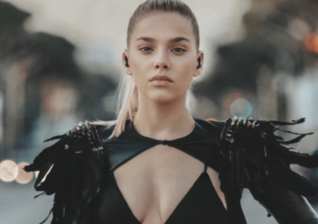 """Arilena në """"Vogue Italia"""", e zgjedhur mes 8 vajzave të fuqishme nga e gjithë bota"""