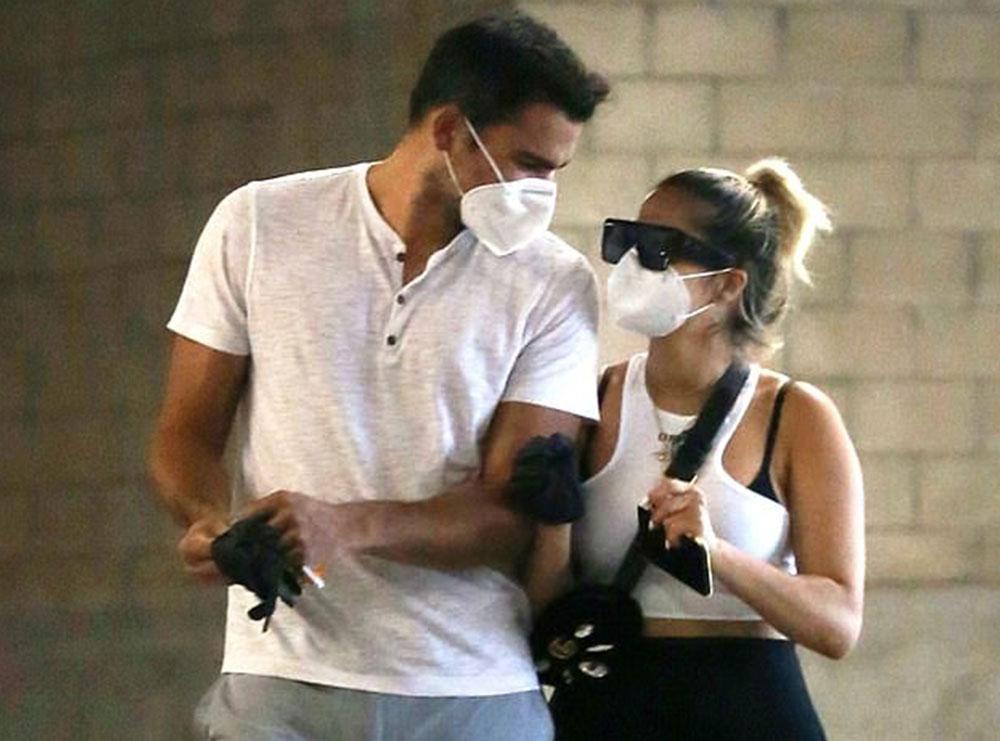 Bebe Rexha konfirmon lidhjen me producentin, poston foton romantike në ditën e tij të lindjes