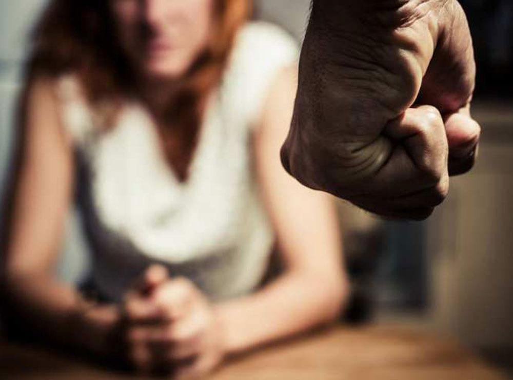 I tha se do të ndahej pasi gënjeu për moshën, 25-vjeçari dhunon barbarisht ish-të dashurën