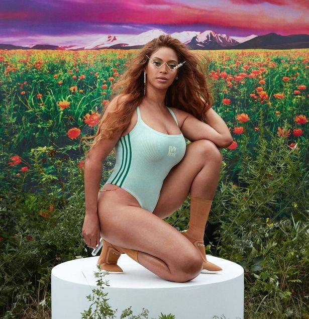 """Beyonce """"çmend"""" fansat, nxjerr në pah linjat trupore teksa pozon e veshur me rroba banjo"""