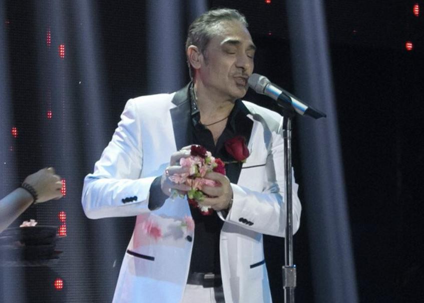 Arrestohet këngëtari i njohur grek/ Policia i gjeti në makinë kokainë dhe një armë zjarri