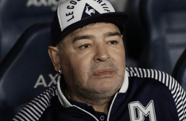 Tronditëse/ Mediat argjentinase: Ndahet nga jeta Maradona