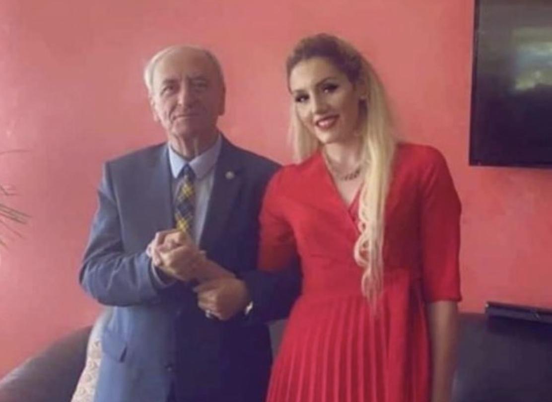 Ankohet ish-kryemyftiu që u martua me vajzën 50 vite më të re: S'e meritova të…(FOTO)