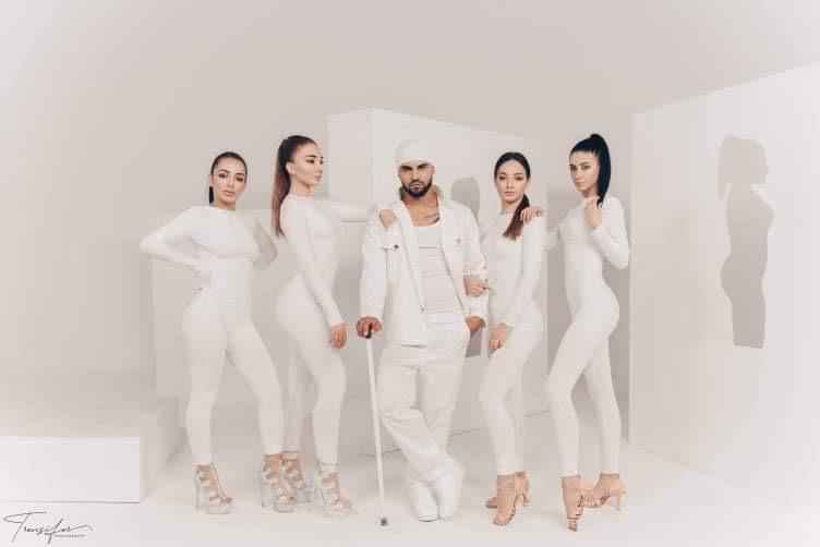 Kush është reperi shqiptar që ngjan me Drake?