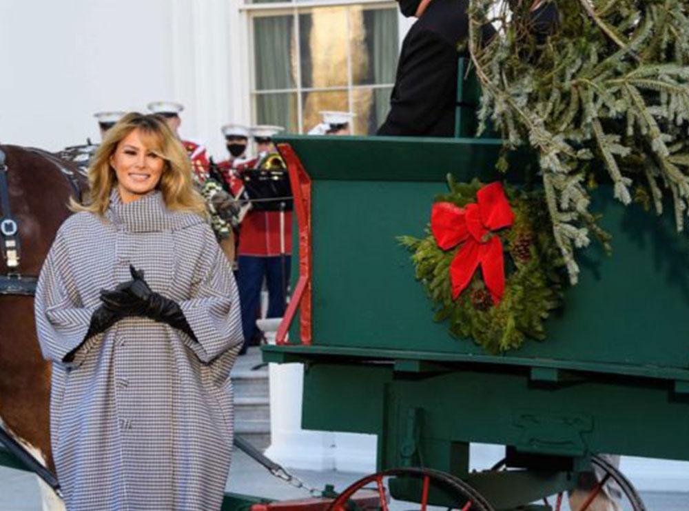 Melania pret bredhin e fundit të Krishtlindjeve në Shtëpinë e Bardhë
