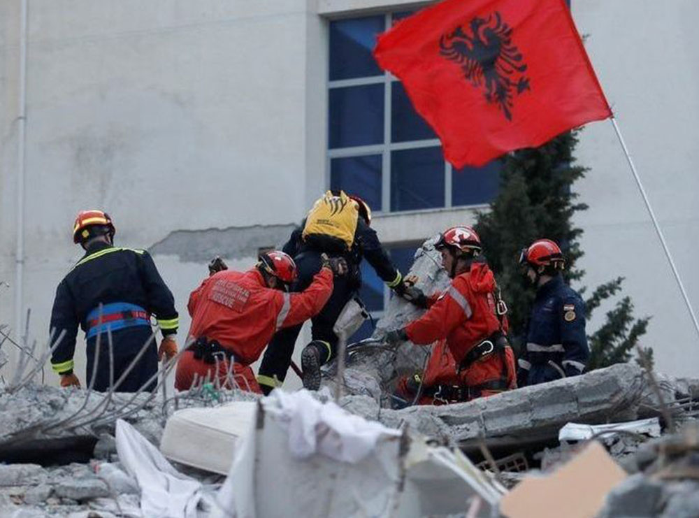 (Foto) Kur Shqipëria u zgjua nën rrënoja. Një vit nga 26 nëntori tragjik që i mori jetën 51 personave