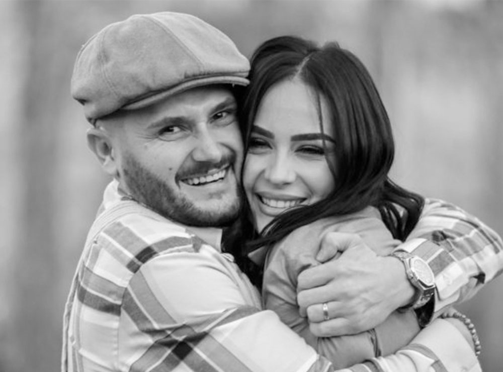 """Besi i rikthehet """"rolit"""" të tij më të dashur: Katunari i dashuruar me Xhensilën"""
