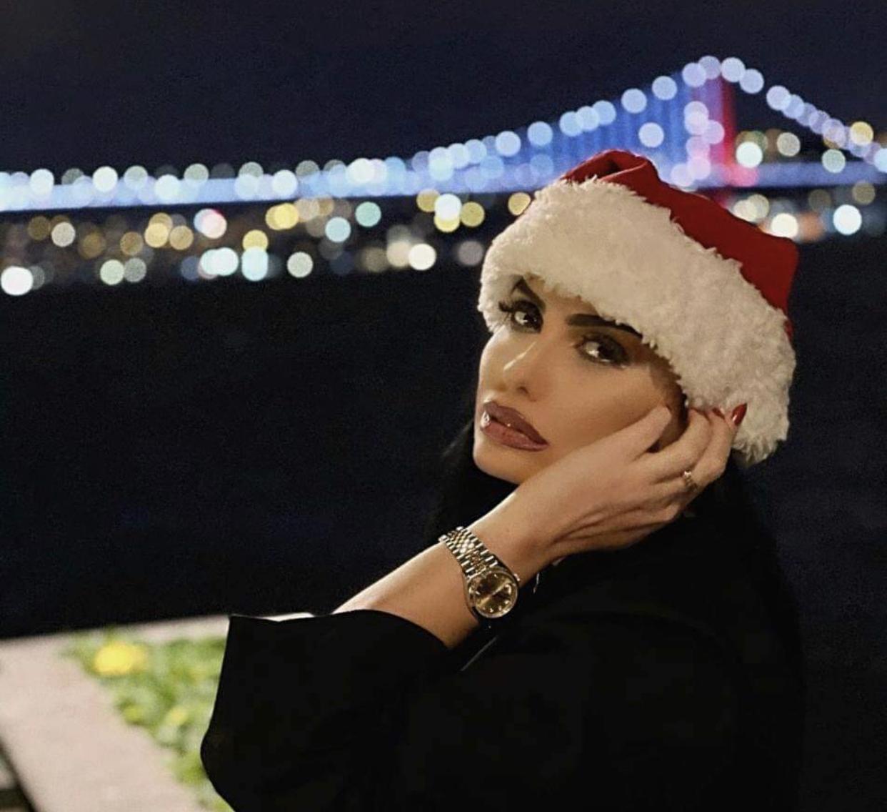 Njihuni me miss-in që e priti 2021-in si princeshë jashtë Shqipërisë, Rovena Domi festë ëndrrash në Stamboll