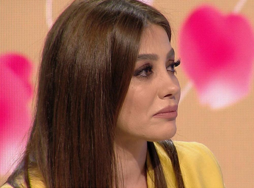 """""""Kam rrëmbyer fëmijën tim"""", Arjola Demiri tregon mes lotëve momentet më të vështira në jetë"""