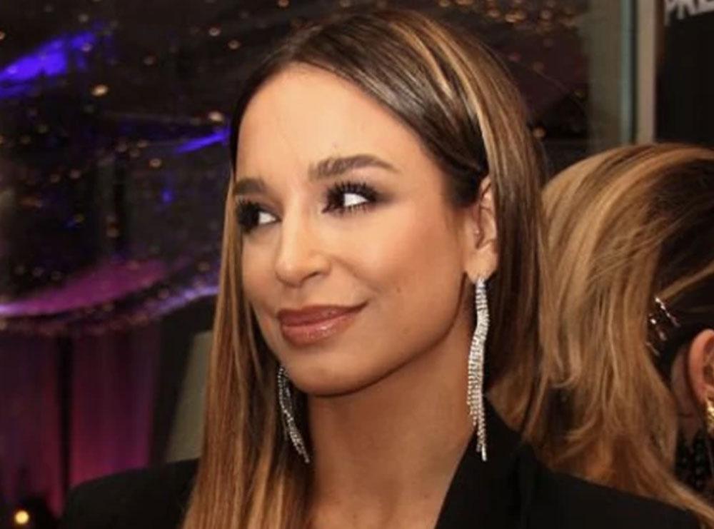 Këngëtarja e njohur serbe rrëfehet për herë të parë: Jam shqiptare dhe kam miq Flori Mumajesin e Dafina Zeqirin