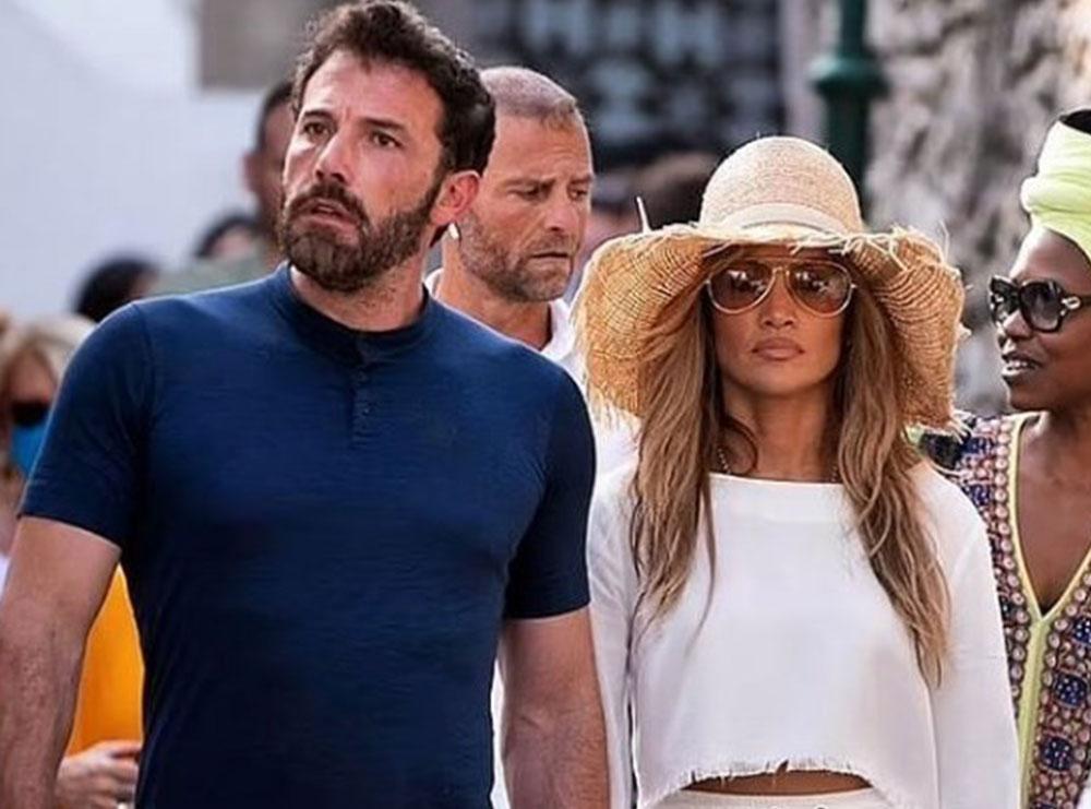 Jennifer Lopez dhe Ben Affleck në Capri me pushime, videot dhe fotot e tyre duke shëtitur bëjnë xhiron e rrjetit