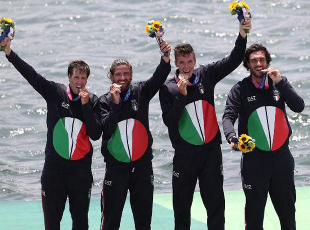 Pse kampionët olimpikë kafshojnë medaljet