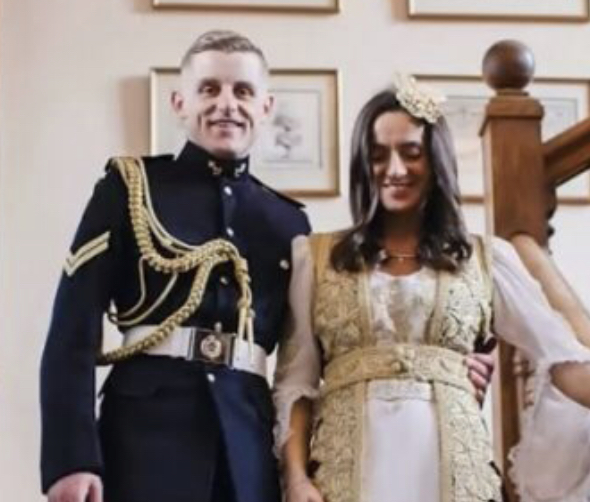 """Miksim traditash: dasma e veçantë u bë """"hit"""" në rrjet, Leonora zgjedh veshjen tradicionale shqiptare"""