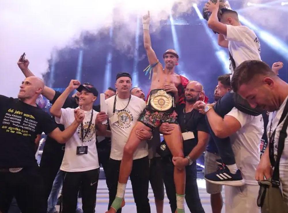 """""""Shqiponja e zezë"""" Ervis Bici shpallet kampion, fiton titullin Europian; Premion e jep për bamirësi"""