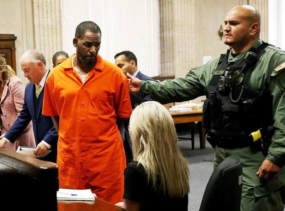 I kontrollonte seksualisht dhe mendërisht: R Kelly shpallet fajtor për trafikim seksual