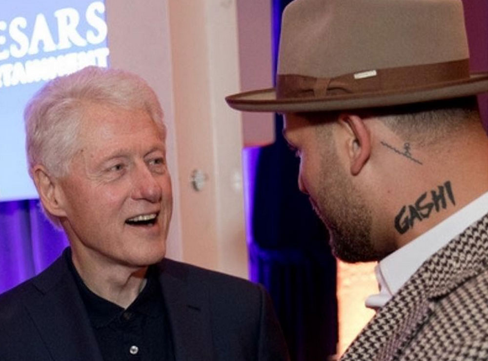 Gashi takohet me Bill Clinton