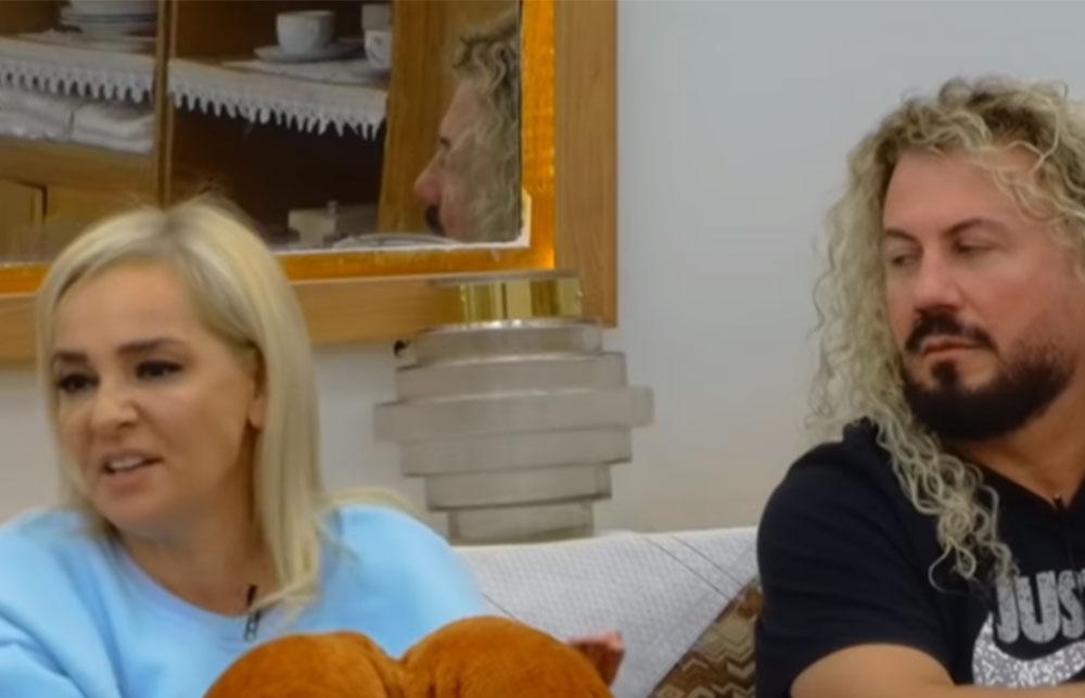 Monika Lubonja dhe Semi Jaupaj kanë diskutuar sot situatën e krijuar në shtëpi dhe krizën e ankthit të këngëtares shkaktuar nga aktorja dhe Fifi